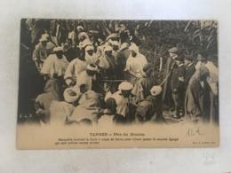 CPA MAROC - TANGER - Fete Du Mouton  - Marocain écartant La Foule à Coups De Baton, Pour Laisser Passer Le Mouton égorgé - Tanger