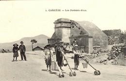CORSE -- CARGESE - Lot De 2 Cpa - Enfants Porteurs D'Eau (à La Mode Grecque) - Fontaine - Autres Communes