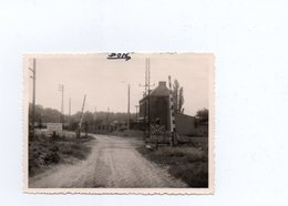 PHOTO 12X 8.5 DON SAINGHIN PASSAGE A NIVEAU ET ROUTE POUR EMBRANCHEMENT DE L EDF - France