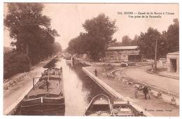 REIMS.CANAL DE LA MARNE A L'AISNE.VUE PRISE DE LA PASSERELLE.(PENICHE) - Reims