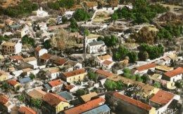 12 A. AZAZGA ( Alger ) - VUE GENERALE AERIENNE DE LA VILLE, Au Centre, L'Eglise - A Gauche, La Mosquée - Other Cities