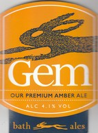 BATH ALES  (CIRENCESTER, ENGLAND) - GEM AMBER ALE - CURVED PUMP CLIP FRONT - Uithangborden