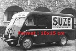 Reproduction D'une Photographie D'une Camionnette Publicitaire Pour La Marque Suze à La Gentiane - Reproducciones