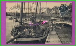 CPA - 50 - GRANVILLE - Un Coin Du Port Très Animé Marin Bateau Voilier Oblitéré 1931 - Granville