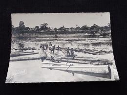 Ancienne Carte Postale Photo Cpsm Abidjean Le Flottage Des Bois Dans La Lagune - Ivory Coast