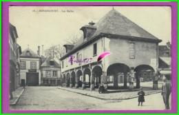 CPA - 27 - NONANCOURT  - Les Halles Sous Les Arches - Animé Dans La Rue - France