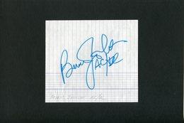 Autographe ORIGINAL Signed Du Musicien BRIAN JOHNSON Du Groupe AC/DC Feuillet Découpé D'un Carnet D'autographes - Autografi