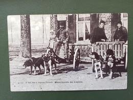 MARCHANDS DE LAPINS- Voitures à Chiens-Carte Postale Photographie - Marchands Ambulants
