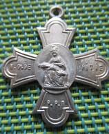 Religious Medal - Notre-Dame De La Pitié - Religion & Esotérisme