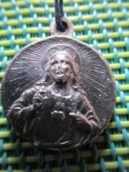 Religious Medal - Jesus Christ /Madonna - Religion & Esotérisme