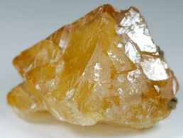 Mineral - Scheelite (Mine De Pihgwi, Sichuan, China) - Lot. 310 - Minéraux