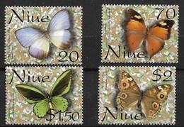 NIUEU 2001 BUTTERFLIES  MNH - Schmetterlinge