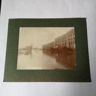 NL- Zutphen (Gld.) Foto Op Karton  // Foto Ca 8.5 X 11 / Watersnood - Hoog Water - Weg Naar Laren Ca 1926 - Plaatsen