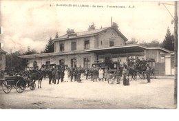 FR61 BAGNOLES DE L'ORNE - EP 93 - La Gare - Diligences - Animée - Bagnoles De L'Orne