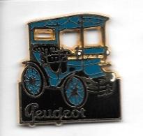 Pin's  Automobiles  PEUGEOT  Ancienne  Bleu  Signé  HELIUM - PARIS - Peugeot