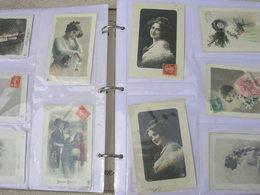 Lot No 8: 310 Cpa Fantaisie Format 9x14 Femme Homme Couple Enfant Grete Reinwald ? Dans Un Album Bon Etat - 500 Postcards Min.