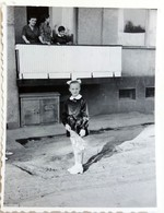 №s127  Photography Of Girl On His First School Day, Child In Uniform - Sofia 1970, Old FOTO PHOTO - Anonymous Persons