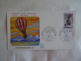 Enveloppe 1982 CROIX ROUGE  CINQ SEMAINES EN BALLON  H. Simoni JULES VERNES FDC N° 1303  PARIS 75 - Documents Of Postal Services