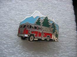Pin's Des Sapeurs Pompiers De La Ville De GRENOBLE (Dépt 38). - Brandweerman