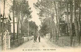 PHL 2 X Cpa 44 LA BAULE. Allée Des Platanes Et Villas Sur Remblai 1917 écrite à M. Defrance... - La Baule-Escoublac