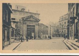 38 // GRENOBLE   La Rue Très Cloitre Et Université Des Sciences 397 - Grenoble