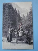 Cpa Suisse) -- CHAMPERY -- Paysannes De Champéry - Laitière à Cheval - ANIMEE - Cpa 1906 - VS Valais