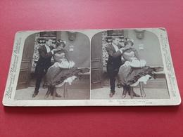 PHOTO STEREOSCOPIQUES SUR CARTON / YOU BASHFUL LITTLE CREATURE ! 1900/ DOS SCANNE - Stereoscopio