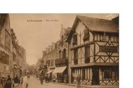 LE POULIGUEN (Loire Atlantique) Rue Du Bois, Belle Animation - Le Pouliguen