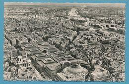 EN AVION SUR PARIS - Les Halles (avant Leur Disparition). A Gauche, L'église Saint-Eustache - Vue Aérienne - 1953 - France