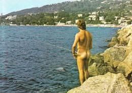 Post Card  Homme Nu à La Pêche Sur La Côte D'azur  Attention Si Le Poison Mord !!  Naked Man  1984 - Altri