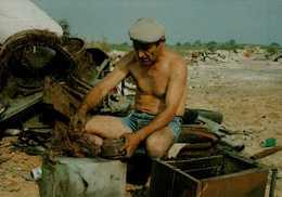 34-VILLEVEYRAC..JEAN-CLAUDE COSTENOBLE RECUPERATEUR DE METAUX DECHETTERIE..1992...CPM ANIMEE...VOIR DOS - Autres Communes