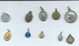 Lot De 10 Médailles Religieuses - Bijoux & Horlogerie