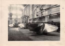 """09128 """"ELICHE A QUATTRO PALE PER IL TRANSATLANTICO REX IN OFFICINA - 1930 / 1931"""" ANIMATA, FOTO ORIG,. - Cartoline"""