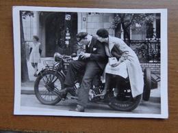 Motorfiets / Motorradfahrer Um 1930 (Friedrich Seidenstucker) -> Unwritten - Motorbikes