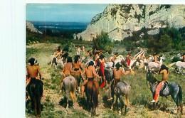 Les Indiens - Rassemblement De La Tribu De Tanka Avant Le Comba   H 156 - Native Americans