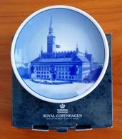 Plaquette : Porcelaine Royal Copenhagen : Hôtel De Ville (avec Boîtier) - Porcelana