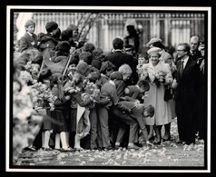 HM QUEEN BUCKINGHAM PALACE 1986 - Famous People