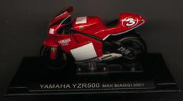 MOTO GP : YAMAHA YZR 500, MAX BIAGGI, 2001 - Motorcycles