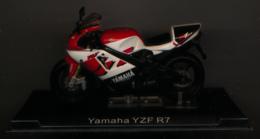 MOTO GP : YAMAHA YZF R7 - Motorcycles