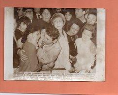 PHOTO. BRUXELLES.ARRIVEE DE REFUGIES BELGES DE STANLEYVILLE. 1964  Achat Immédiat - Aeroporto Bruxelles