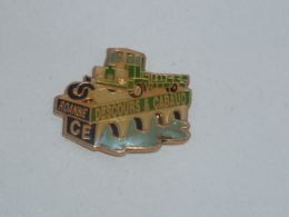 Pin's CAMION C.E. DESCOURS ET CABAUD DE ROANNE - Trasporti
