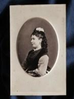 Photo CDV Anonyme - Portrait Embossé Jolie Jeune Femme De Profil, Circa 1875 L498E - Oud (voor 1900)
