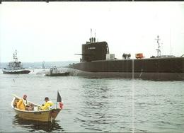 ( BATEAU DE GUERRE ) (    SOUS MARINS )( LE REDOUTABLE ) L ARRIVEE  A CHERBOURG LE 4 JUILLET 2000 - Sous-marins