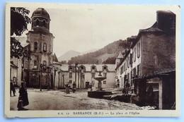 C. P. A. : 64 SARRANCE : La Place De L'Eglise, Animé - Autres Communes