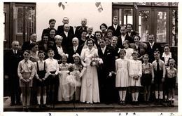 Carte Photo Originale Le Mariage, Les Mariés Et La Photo De Famille Par Photo Ritter Andarnach (Rhein) 1950/60 - Anonyme Personen