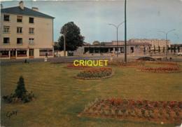 35 Fougères, Place De La Gare, N° 1 - Fougeres