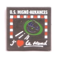 AA358 Pin's Handball US MIGNE AUXANCES Vienne Poitou-Charente  Achat Immédiat - Handball