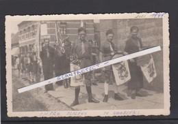 WAMBEEK-BERCHEM-CHIRO-ELIGIUS-FOTOKAART-OPTOCHT AAN DE KERK-HERBERG-JULI 1945-ALLE NAMEN OP VERSO-ZIE 2 SCANS-RARE - Ternat