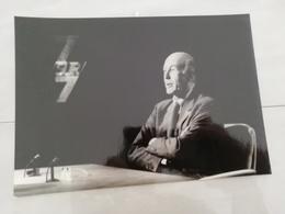 14917 POLITIQUE FRANCE PHOTO DE PRESSE  18X12 LE 01-04-1990 VALERY GISCARD D ESTAING - Photos