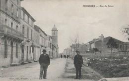 CPA 13 MOURIES RUE DE SALON ANIMEE - France
